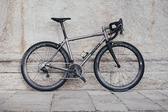 Moots Vamoots RSL Titanium road bike Campagnolo